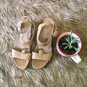 Essence by Aetrex Sandal Heels Genuine Leather
